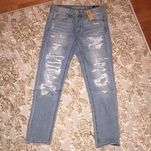 AMERICAN EAGLE TOMGIRL JEANS!!